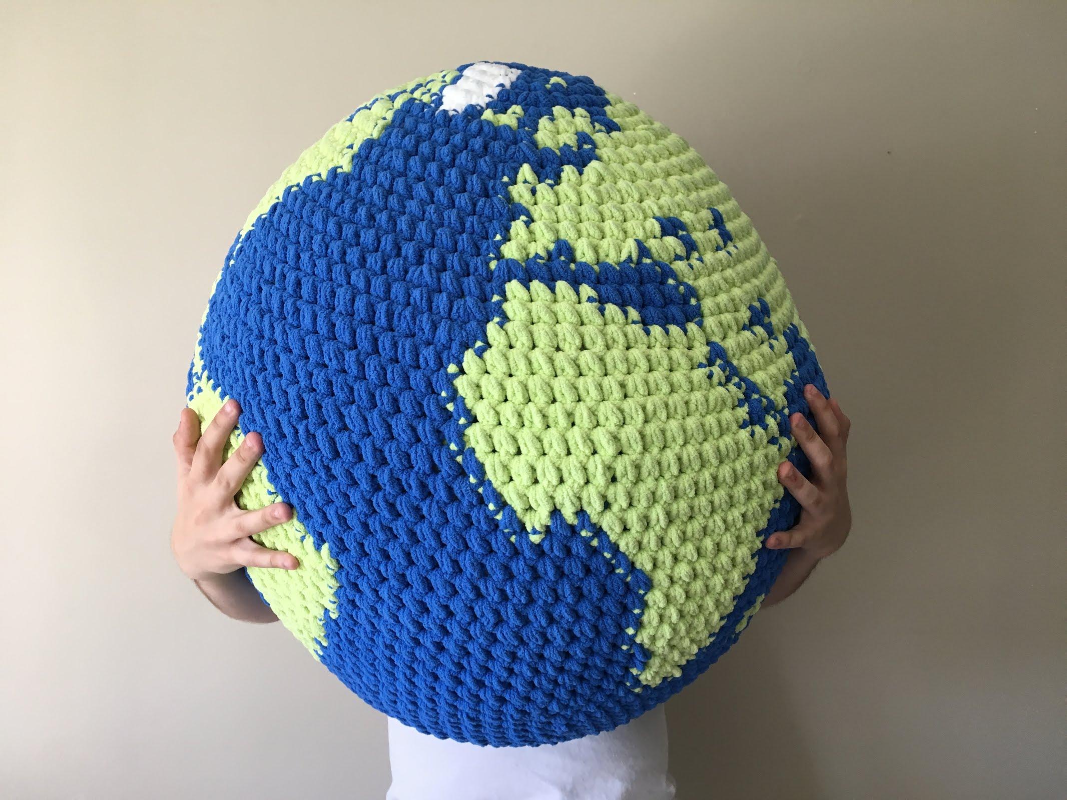 mega globe 1